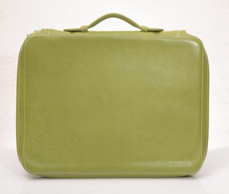 Bőrből készült laptoptáska panofix béléssel (több színben)